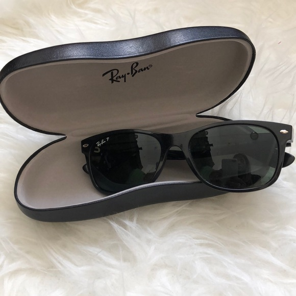 65ca448a18 Authentic Ray-Ban Wayfarer Classic Sunglasses. M 5adcfa1b6bf5a636708cd3eb